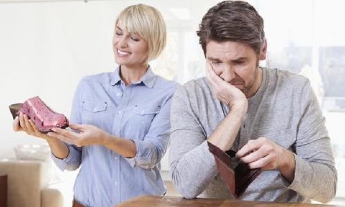 Đàn ông có vợ tiêu bao nhiêu một tháng?