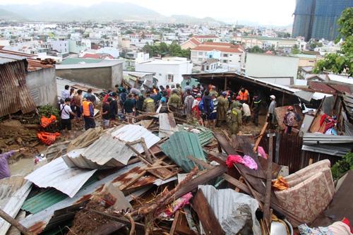 TP Nha Trang (Khánh Hoà) bị thiệt hại nặng do ảnh hưởng của bão số 8. Ảnh: Xuân Ngọc.