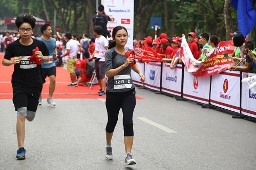 Giải chạy Kizuna Ekiden vì an toàn giao thông có sự tham gia của 1.000 vận động viên. Ảnh: TMV