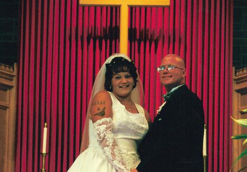 Đám cưới của hai vợ chồng Kelly Cochran và Jason Cochran.
