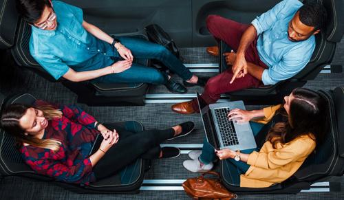 Công nghệ ConfigurE-Plus của Lear cho phép nhiều tùy chỉnh ở ghế, hướng tới xe tự lái.
