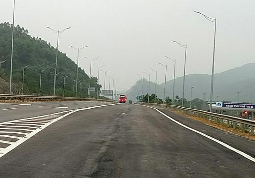 Nút giao IC11 dẫn lên cao tốc Nội Bài - Lào Cai. Ảnh: Anh Duy.