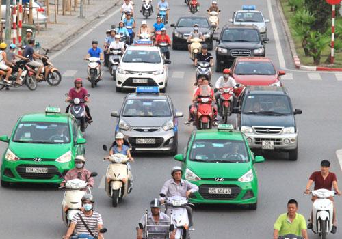 Bộ Giao thông không đồng tình Hà Nội quy định màu sơn cho taxi