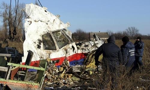 Mảnh vỡ máy bay MH17 tại Ukraine ngày 20/11/2014. Ảnh: Reuters.