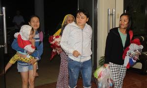 Giữa đêm, hàng trăm người ở Vũng Tàu được nhiều khách sạn đón tránh bão