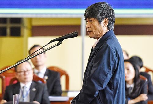 Ông Nguyễn Thanh Hóa đã nhận tội sau phần luận tội của VKS. Ảnh: Phạm Dự.