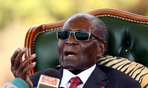 Cựu tổng thống Zimbabwe Robert Mugabe tại Harare hồi tháng 7. Ảnh: Reuters.