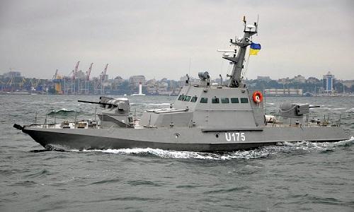 Chiến hạm Berdyansk, một trong ba tàu Ukraine bị Nga bắt giữ. Ảnh: Reuters.