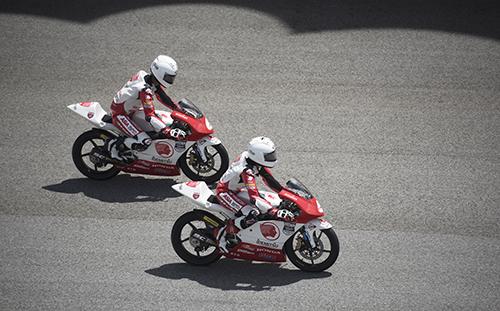 Những tay đua nhí trên trường đua Sepang, Malaysia. Ảnh: Nguyễn Tới.