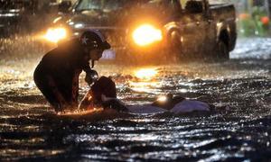 Cuộc sống đảo lộn của người dân Sài Gòn vì bão Usagi