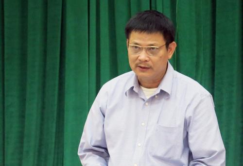 Ông Trần Quang Thức - Chi cục trưởng Phòng chống tệ nạn TP Hà Nội trao đổi với báo chí chiều 27/11. Ảnh: HN.