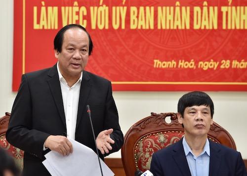 Từ trái qua: Ông Mai Tiến Dũng, Bộ trưởng, Chủ nhiệm Văn phòng Chính phủ và ông Nguyễn Đình Xứng, Chủ tịch UBND tỉnh Thanh HoáẢnh: Lê Hoàng.