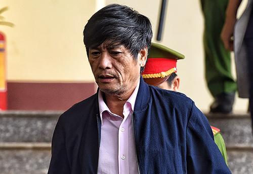 Luật sư nói ông Hoá không biết sử dụng máy tính. Ảnh: Giang Huy.