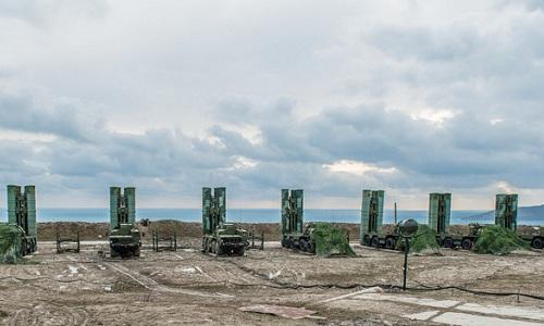 Nga triển khai thêm rồng lửa S-400 đến Crimea sau vụ bắt tàu Ukraine