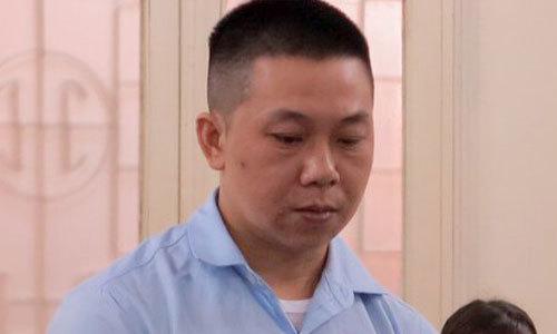 Cảnh sát xin giảm án cho tài xế dù bị hất hơn 14 km trên nắp ca pô