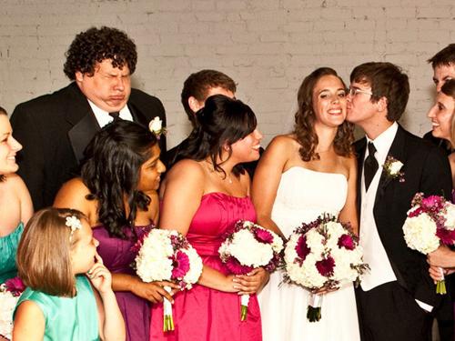 Khi thanh niên FA đi dự đám cưới.