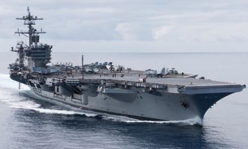 Tàu sân bay USS Carl Vinson (CVN 70) di chuyển trên Thái Bình Dương ngày 13/10. Ảnh: Hải quân Mỹ.