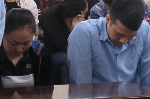 Thủy và Tuấn Anh tại phiên tòa sơ thẩm.