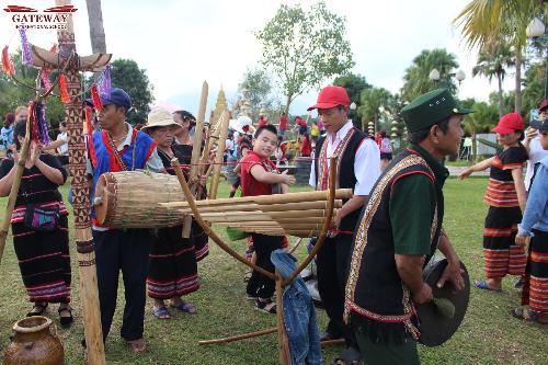 Nếu như Trường PTLC Quốc tế Gateway Hà Nội dã ngoại tại rừng Cúc Phương thì Gisers Hải Phòng đã có một chuyến dã ngoại bổ ích tại làng văn hóa các dân tộc Sơn Tây Hà nội - nơi tập trung tái hiện, gìn giữ, phát huy và khai thác các di sản văn hóa truyền thống của các dân tộc Việt Nam.