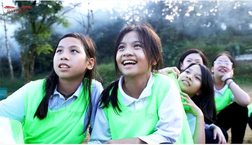 Bạn Nguyễn Tuệ Minh, lớp 6 Montreal, chia sẻ: Thông qua chuyến đi này, em học được những kỹ năng sinh tồn, hiểu và thấy yêu thiên nhiên hơn. Đặc biệt, với những kỹ năng mới biết về việc trồng cây, em rất muốn truyền đạt lại cho ba mẹ và bạn bè để mọi người cùng biết cách bảo vệ trái đất và môi trường.