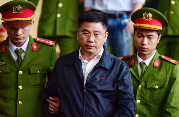 Bị cáo Nguyễn Văn Dương.Ảnh: Giang Huy.