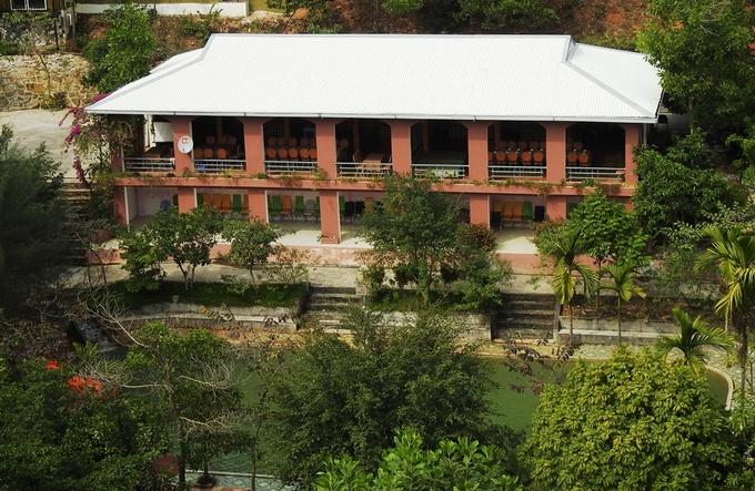 Khu du lịch xây trái phép trên đất rừng ở Quảng Ninh