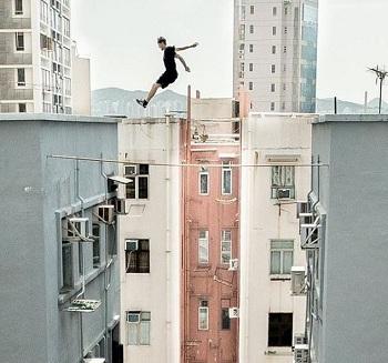 Một pha nhảy mạo hiểm của nhóm Storror. Ảnh: Instagram.
