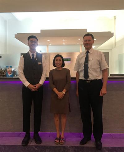 Đại diện công ty Cầu Xanh thăm sinh viên đang học César Ritz tại tập đoàn SEG Thuỵ Sĩ