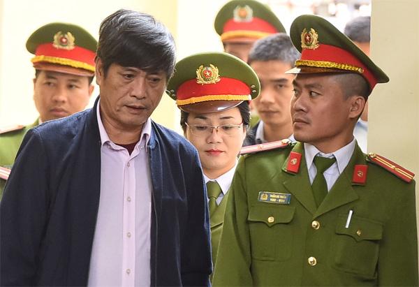 Bị cáo Nguyễn Thanh Hóa.Ảnh: Giang Huy.