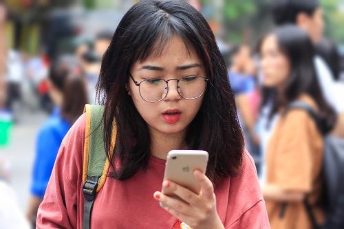 Học sinh dự kỳ thi THPT quốc gia năm 2018 tại Cầu Giấy, Hà Nội. Ảnh: Dương Tâm