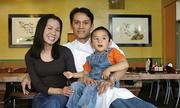 Hành trình cùng con trai vượt qua bệnh tật của chủ nhà hàng gốc Việt ở Mỹ