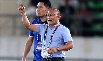 HLV Park Hang-seo Äang giấu bà i, dù Viá»t Nam thắng Là o 3-0