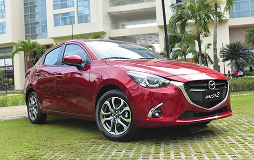 Mazda2 nâng cấp tại đại lý ở Hà Nội.