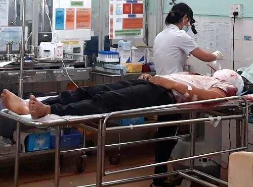 Nghi can Bùi Chí Hiếu được cấp cứu ở Bệnh viện Gia Lai. Ảnh: Việt Hiến.
