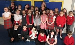 Cô giáo Scotland không nhận quà Giáng sinh, khuyên học sinh làm từ thiện