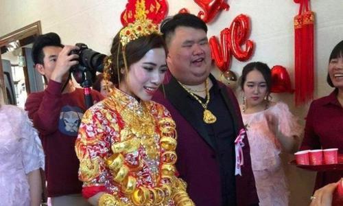 Đám cưới của con trai một chủ doanh nghiệp gốm sứ nổi tiếng Trung Quốc ở thành phố Chu Hải, tỉnh Quảng Đông hồi tháng 5/2018. Ảnh: Sina.