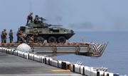 Mỹ mang thiết giáp lên tàu đổ bộ đối phó mối đe dọa ở Biển Đông
