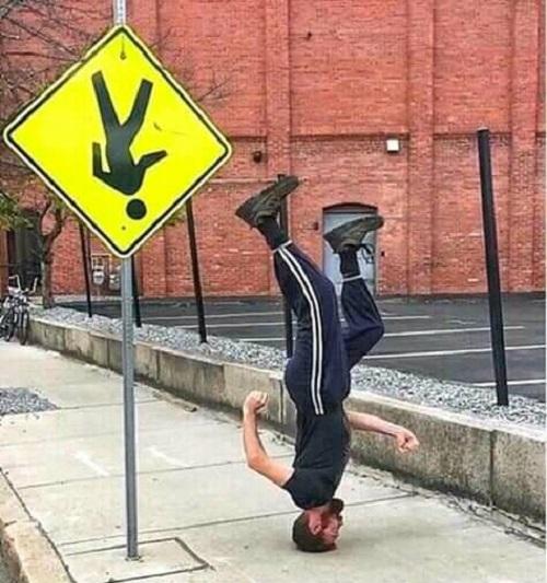 Tuân thủ luật giao thông.