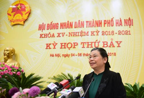 Phó chủ tịch Thường trực Quốc hội Tòng Thị Phóng phát biểu tại phiên khai mạc kỳ họp thứ 7 HĐND TP Hà Nội. Ảnh: Võ Hải.