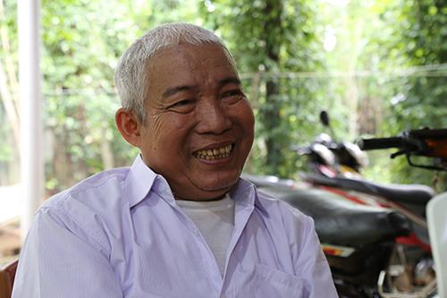 Ông Lê Công Hưng, một trong những vua liều kể về thời tháo bom mưu sinh. Ảnh: Hoàng Táo