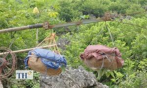 Lên xứ Lạng thưởng thức na núi đá 'đu dây'