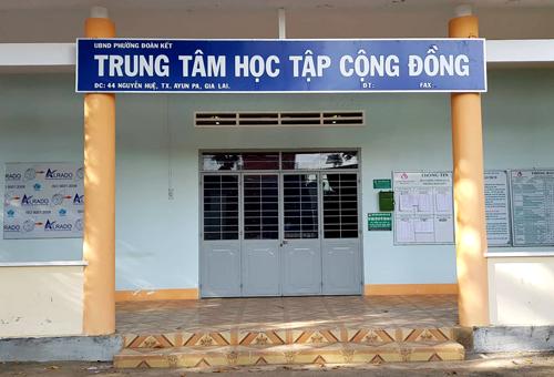 Hội trường nơi xảy ra vụ nổ súng khiến nữ lãnh đạo HĐND phường Đoàn Kết tử vong. Ảnh: Phước Tuấn.