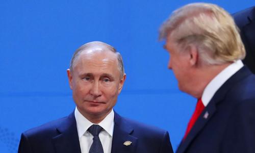 Tổng thống Nga Vladimir Putin và Tổng thống Mỹ Donald Trump tại hội nghị thượng đỉnh G20 ở Buenos Aires, Argentina hôm 30/11. Ảnh: Reuters.