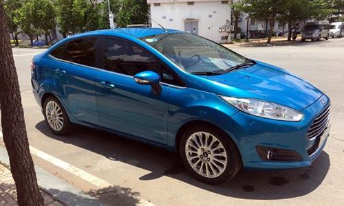 Ford Fiesta 2013 có thể gặp lỗi khoá cửa.