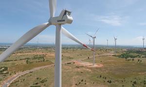Cánh đồng turbine biến gió thành điện rộng 400 ha ở miền Trung