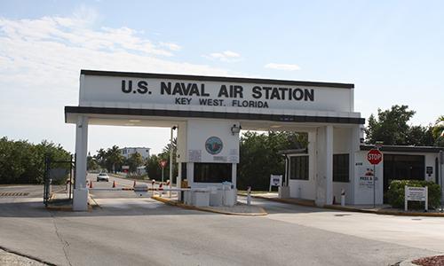 Cổng vào căn cứ không quân Key West, Florida. Ảnh: SWB.