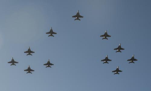 Đội hình 11 tiêm kích của một phi đoàn Super Hornet thuộc hải quân Mỹ. Ảnh: US Navy.