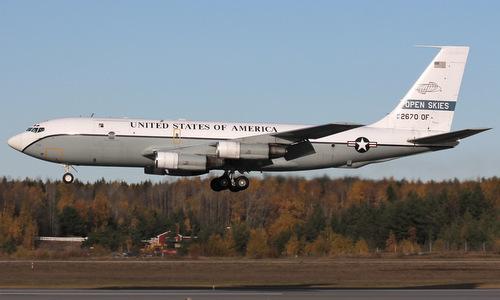 Một trinh sát cơ OC-135 Mỹ chuyên dùng cho Hiệp ước Bầu trời Mở. Ảnh: USAF.