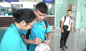 Đội tuyển Việt Nam lên đường sang Malaysia đá chung kết AFF Cup