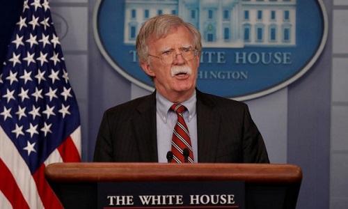 Cố vấn Bolton trong một cuộc họp báo tại Nhà Trắng. Ảnh: AFP.